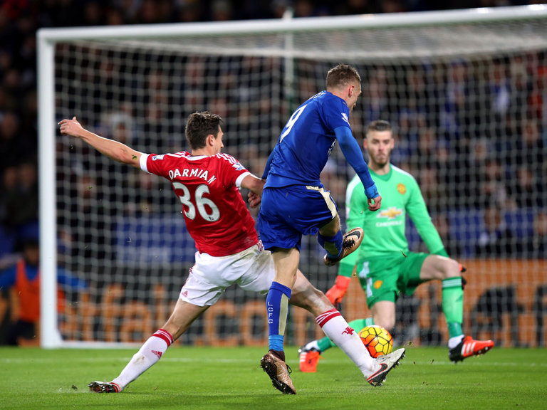 Football Vardy in action