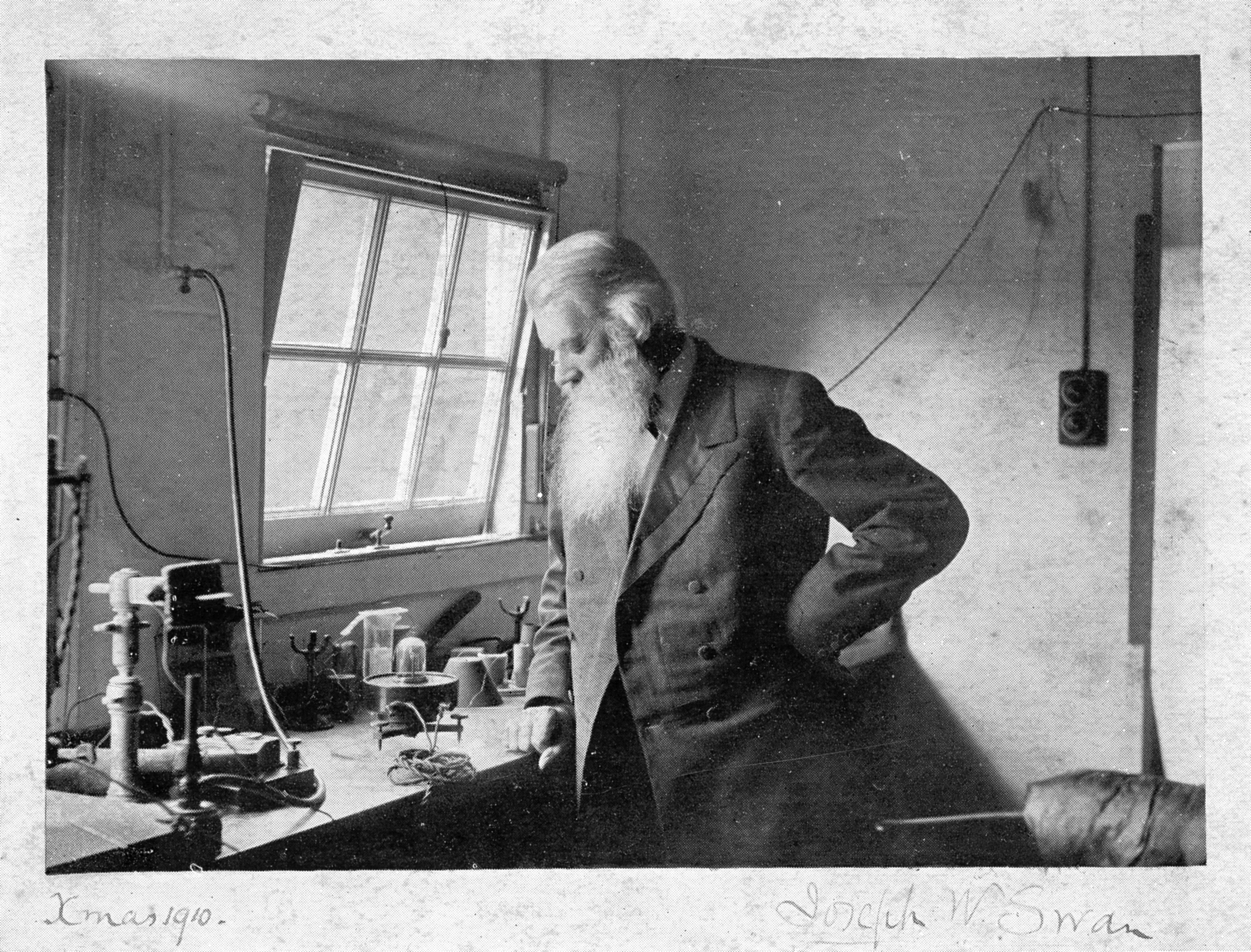 Joseph Swan in his lab.