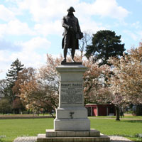 Robert Raikes statue Gloucester. Another stands in London and Toronto