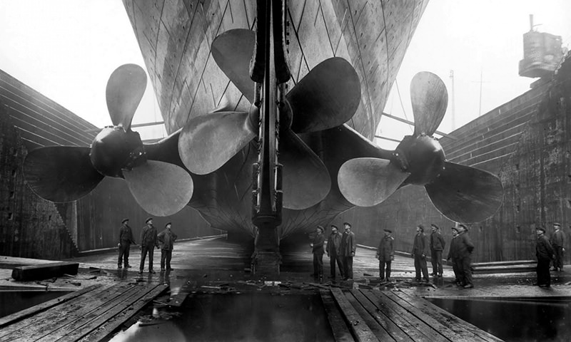 Titanic Hull to show her scale